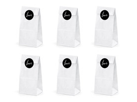 Witte papieren blokzakjes met love stickers