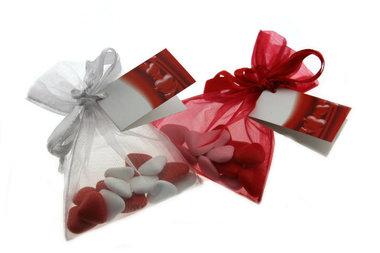 Huwelijksbedankje mini bruidsuiker hartjes wit-rood