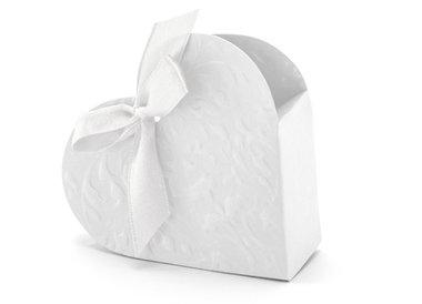 Doosje hartvormig wit met relief