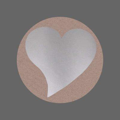 10 Ronde stickers ecru met zilver hartje
